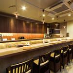 Dining TABI - 1階のカウンター席