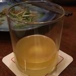 居酒屋 安具楽 - 完熟にごり梅酒 熊野かすみ:ストレートで頼んだらこの量(笑)