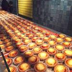 ベイク チーズ タルト - 北海道札幌市で30年以上にわたって愛されてきた老舗洋菓子店『きのとや』がルーツのチーズタルト専門店です。 現在は海外にまで支店があるらしいですが、2015年9月に九州初上陸。