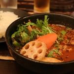 スープカリー ヒリヒリ2号 - 骨チキチキンカリー ¥930