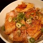 52598360 - チャーシュー飯(250円) 腿チャーシュー(煮豚)であっさり仕立て。
