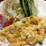 喫茶 岩田 - 料理写真:セットのサラダとスクランブル