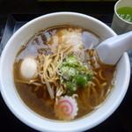 らー麺 Do・Ni・Bo - 料理写真:朝ラー540円+味玉100円 何故か青汁付き