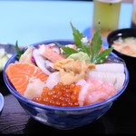 純の店 - 海鮮丼 ¥2600