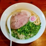 麺屋 菜々兵衛 - 鶏白湯・塩+大盛(800円)