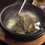 焼肉園 花牛 - 料理写真:あさりと大根のスープ