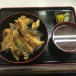 天房 - 本日の天丼with味噌汁