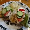 シャレー スイス ミニ - 料理写真:全粒バゲットのサンドイッチ