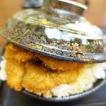 とんかつ政ちゃん - 特製カツ丼