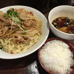 六代目けいすけ - 肉盛りつけ麺並200g800円&無料ライス