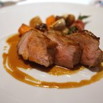レストラン・パッション - 仏産子牛ロース肉の暖炉焼き、ココット仕上げ