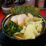 熊田家 - チャーシューメン+野菜