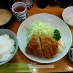 とんかつ 燕楽 - ロースカツ定食 2,100円(税込)