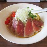 麺部屋 綱取物語 - 涼麺 牛肉のタタキのドアップ