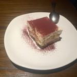 アチェーゾ - デザートのティラミス