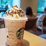 スターバックス コーヒー - ドリンク写真:ベイクドチーズケーキフラペチーノ+ストロベリーソース+チョコチップ+モカソース
