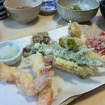 更科すず季 - 料理写真:カリッカリ、天ぷら旨い!