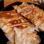 中国飯店佳里福 - 鉄鍋餃子