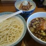 ヱビスヤ - 魚介つけ麺とチャーシュー丼