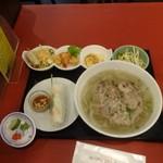 ニャーヴェトナム - 屋台セット(牛肉のフォー)1,620円
