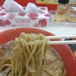 日の出らーめん 炎上 - 2016年5月 肉らーめん 白飯セット+生玉子 830+50円