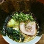 ゆき坊 - ラーメン750円麺硬め。海苔増し100円。