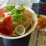 マータラ - ランチのサラダ   フレッシュで美味しい(^○^)