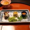 秋本 - 料理写真:付出し (海鞘、白身の寿司、姫さざえ、枝豆)