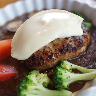 レストランみやもと - 料理写真:カマンベールハンバーグカレーソース