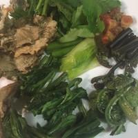 信州いろいろな山菜の盛り合わせ