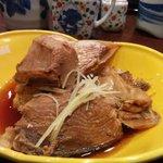 金八 - 鯛と鰤のあら炊き