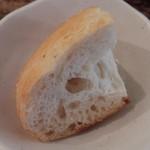 イタリアン食堂 良's - 自家製天然酵母パン