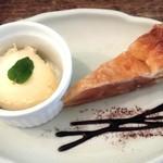 イタリアン食堂 良's - アップルパイ、ジェラート