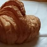 52867352 - 発酵バターのクロワッサン