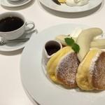 幸せのパンケーキ  - 2016年6月 バナナホイップパンケーキ チョコソース添え 1200円