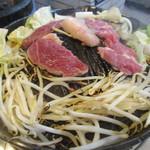 味の羊ヶ丘 - ジンギスカン鍋 焼き始め