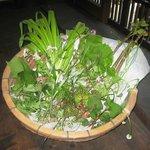 田舎茶屋 千恵 - 近隣で採れる様々な野草