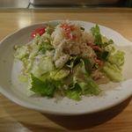 鉄板焼 天 - 今回は伊勢海老コースを注文し、まずはズワイガニフレーク満点で美味しさたっぷりなズワイガニのサラダを食べ