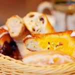 アルティジャーノ - 甘い系のパンが多かったです。