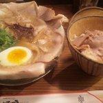 熟成細麺 宝屋 - チャーシュー麺&チャーシュー丼