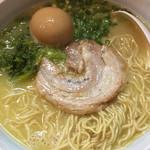 らーめん まる玉 - 料理写真:味玉子入りラーメン@780円