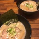 らー麺 鉄山靠 - 塩とんこつ 細麺