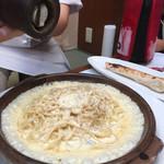 横浜チーズカフェ - パルメジャーノのパスタ、トロリンチーズですよね、、