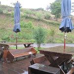 檪の丘 - 由布院盆地を見下ろす高台にあり、絶景を望みながら…なんだけど、この日は雨だったのね(笑)。