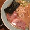麺通 - 料理写真:らーめん(背油醤油) 半麺 こってりで 680円