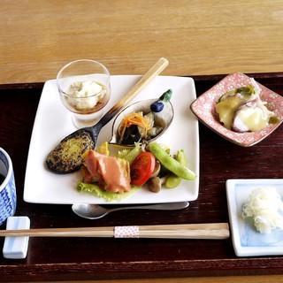 手打ち蕎麦 いよ翁 - 料理写真:前菜