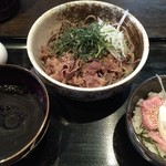 つけそば 周庵 - 肉そば(冷) + マグロたたき丼(小)