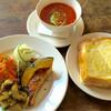 カフェ スタンド - 料理写真:2016.07 Aランチ(自家製パンのトースト、キッシュ、スープ、おかず)