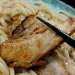 つけ麺 紫匠乃 - チャーシューは、ホロホロです。