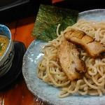 つけ麺 紫匠乃 - 麺はぶっといです。
